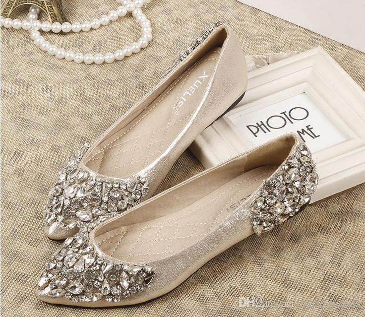 Wedding inspiration flats genevieve magazine for Flat dress sandals for weddings
