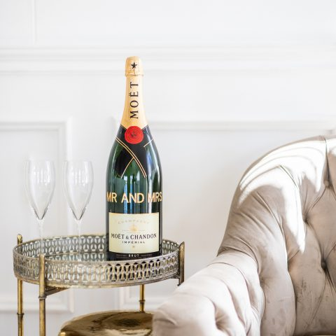10. Personalised Magnum_guest book_Moët & Chandon minimony (1)